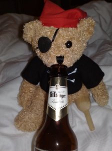 Jack Bearow trinkt Bier