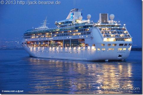 Legend-Of-The-Seas-Neapel
