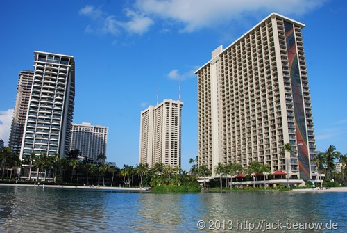 10-Hilton-Hawaiian-Village-Waikiki-Beach-Resort