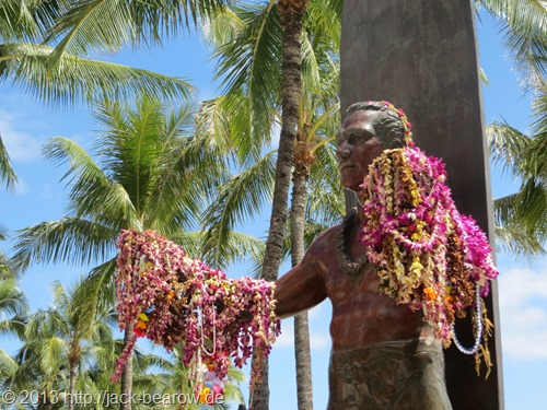14_Duke-Paoa-Kahanamoku-Waikiki-Beach-Honolulu-Oahu-Hawaii
