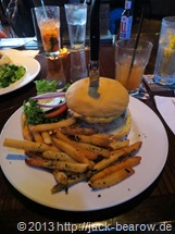 21_HardRockCafe-Local-Burger-Waikiki-Honolulu-Oahu-Hawaii