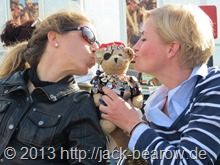 99-Jack-Bearow-Maedels-Knutscher
